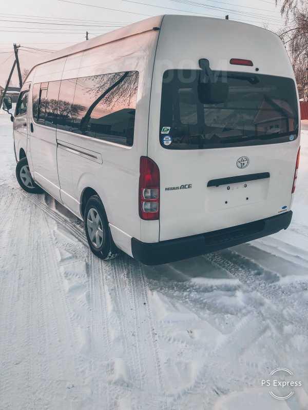 Toyota Regius Ace, 2011 год, 1 590 000 руб.