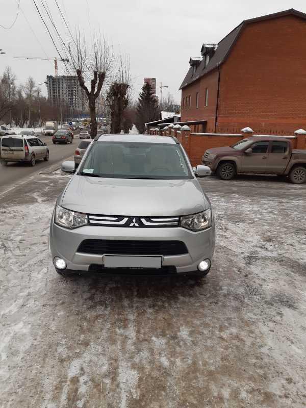 Mitsubishi Outlander, 2013 год, 930 000 руб.