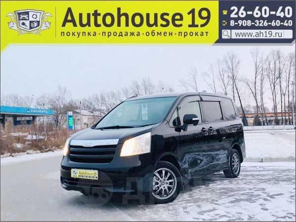 Toyota Noah, 2009 год, 647 000 руб.