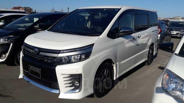 Toyota Voxy, 2017 год, 1 470 000 руб.