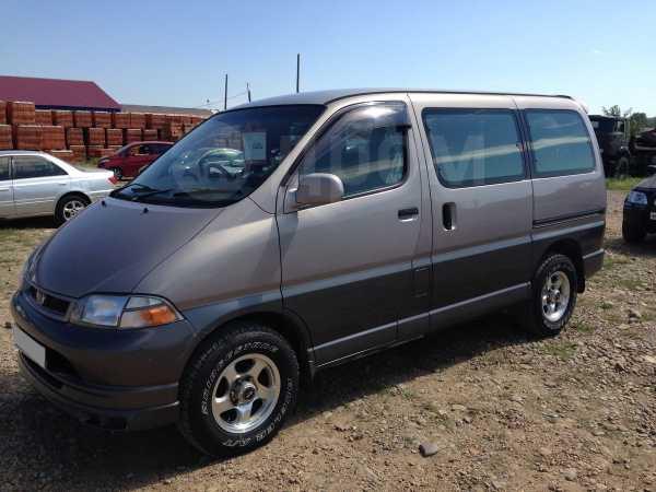Toyota Granvia, 1999 год, 575 000 руб.