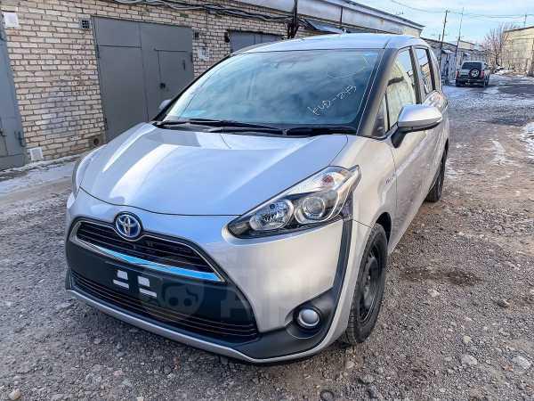 Toyota Sienta, 2015 год, 950 000 руб.