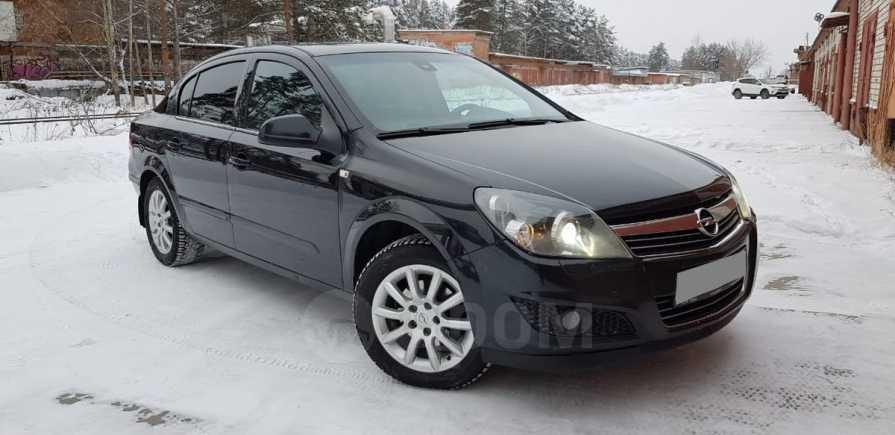 Opel Astra Family, 2013 год, 499 000 руб.