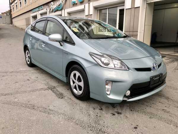 Toyota Prius, 2014 год, 870 000 руб.