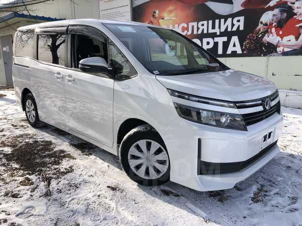 Toyota Voxy, 2016 год, 1 110 000 руб.