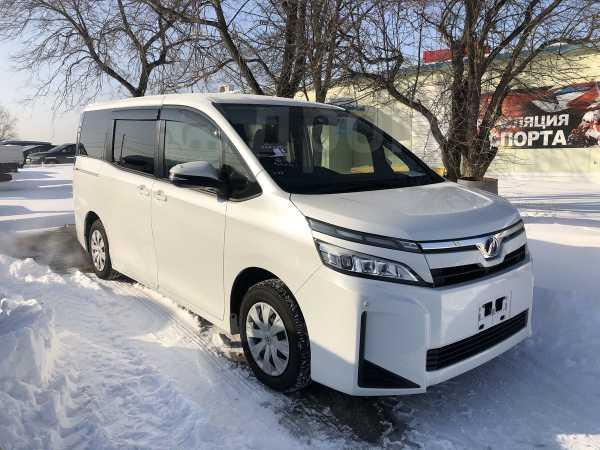 Toyota Voxy, 2017 год, 1 160 000 руб.
