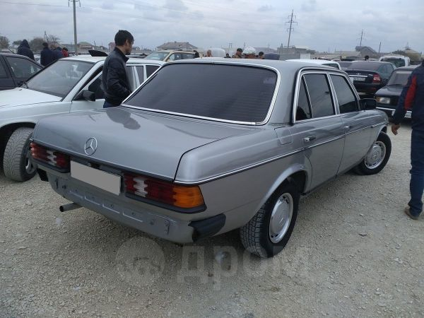 Mercedes-Benz Mercedes, 1983 год, 160 000 руб.