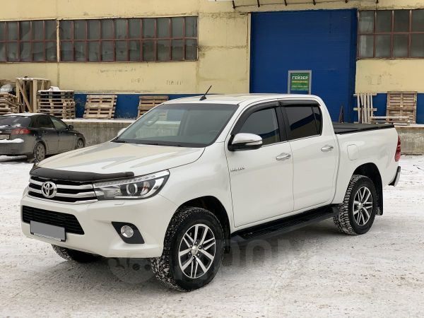 Toyota Hilux Pick Up, 2016 год, 1 999 000 руб.