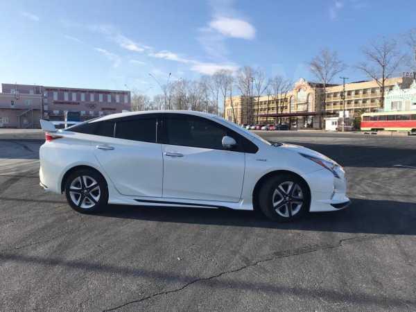 Toyota Prius, 2016 год, 1 169 999 руб.