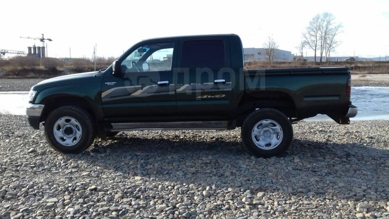 Toyota Hilux Pick Up, 2004 год, 818 000 руб.