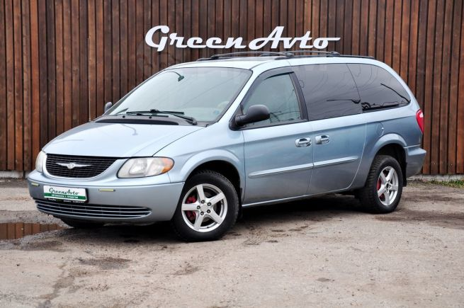 Chrysler Town&Country, 2003 год, 385 000 руб.