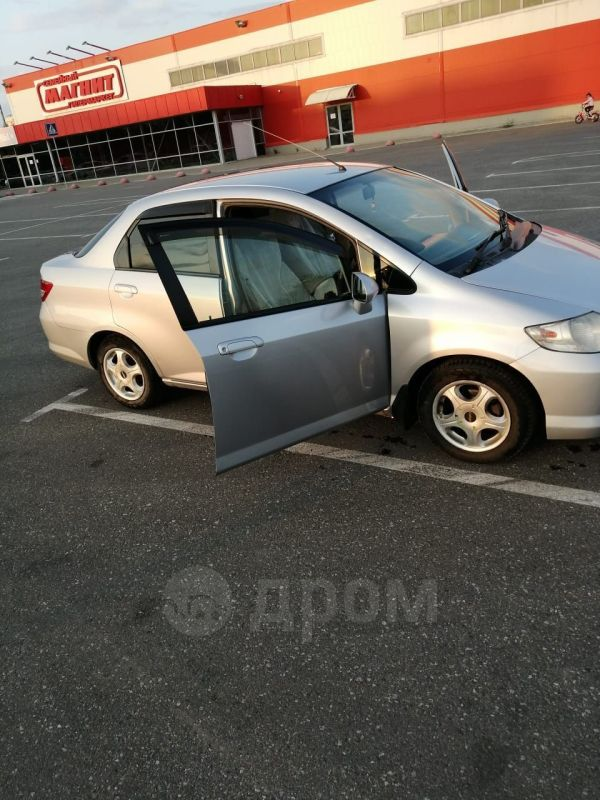 Honda Fit Aria, 2003 год, 225 000 руб.