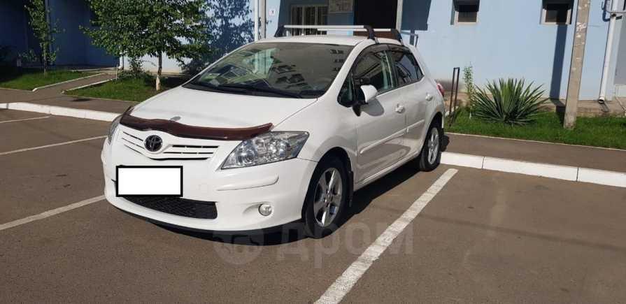Toyota Auris, 2011 год, 610 000 руб.