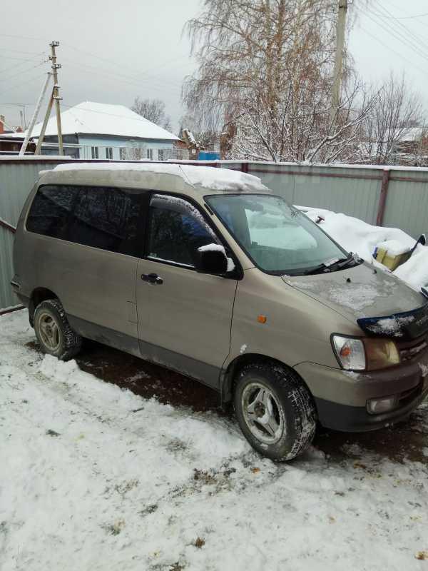 Toyota Town Ace Noah, 1998 год, 365 000 руб.