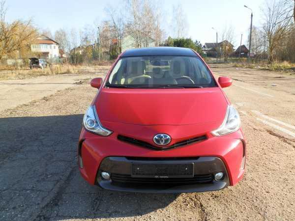Toyota Prius v, 2015 год, 1 399 000 руб.