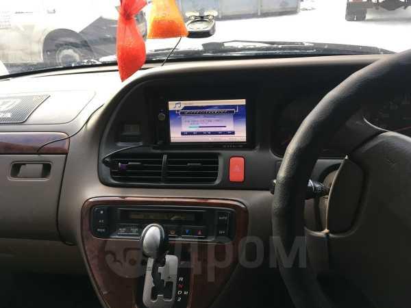 Honda Odyssey, 2002 год, 435 000 руб.