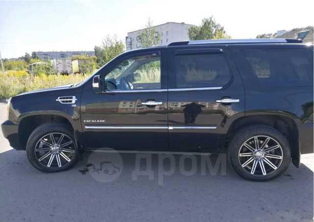 Cadillac Escalade, 2012 год, 1 075 000 руб.