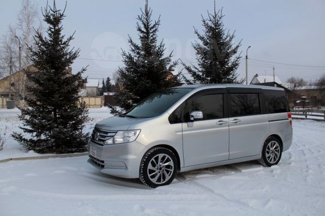 Honda Stepwgn, 2014 год, 972 000 руб.