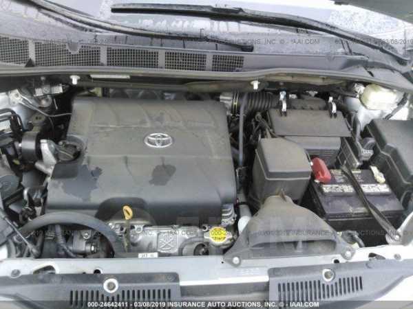 Toyota Sienna, 2017 год, 1 999 999 руб.