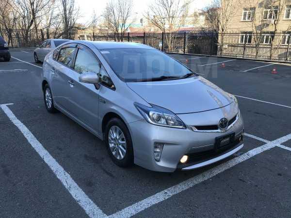 Toyota Prius PHV, 2015 год, 1 120 000 руб.