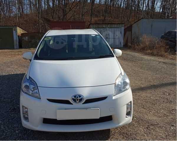 Toyota Prius, 2011 год, 695 000 руб.