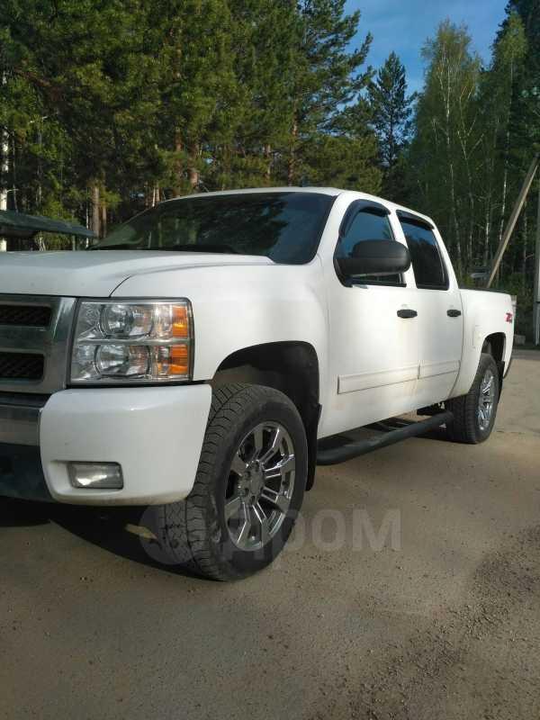 Chevrolet Silverado, 2011 год, 1 999 999 руб.