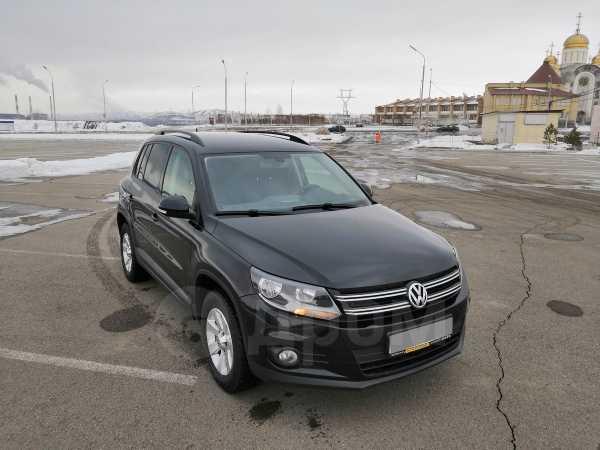 Volkswagen Tiguan, 2012 год, 736 000 руб.