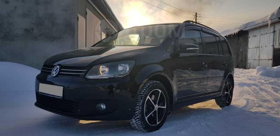 Volkswagen Touran, 2013 год, 685 000 руб.