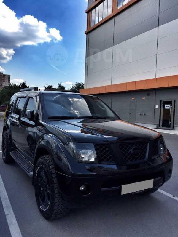Nissan Pathfinder, 2007 год, 950 000 руб.