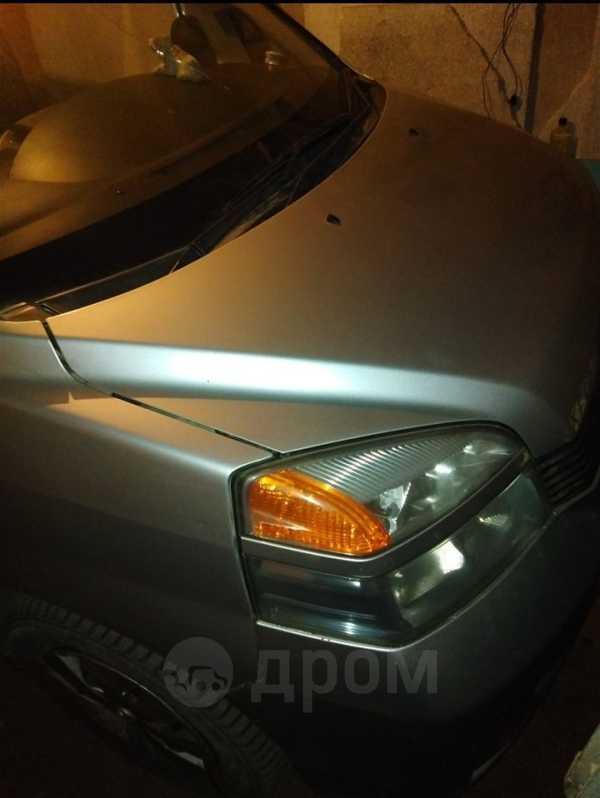 Toyota Voxy, 2004 год, 210 000 руб.