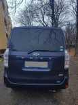 Toyota Voxy, 2013 год, 920 000 руб.