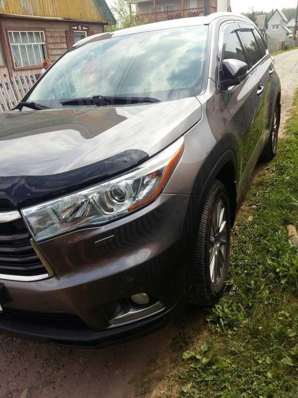 Toyota Highlander, 2014 год, 2 258 000 руб.