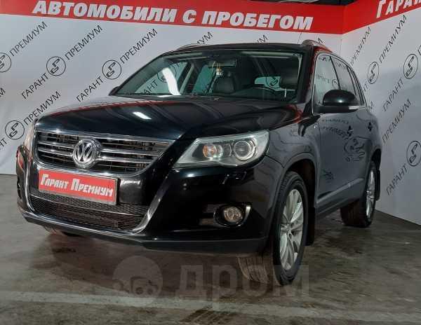 Volkswagen Tiguan, 2009 год, 585 000 руб.