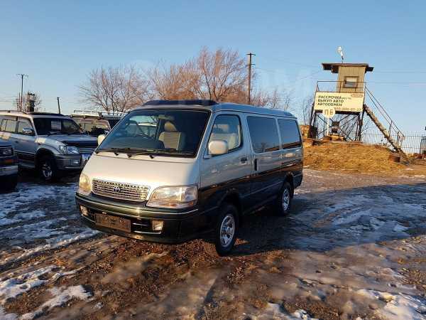 Toyota Hiace, 1998 год, 598 000 руб.