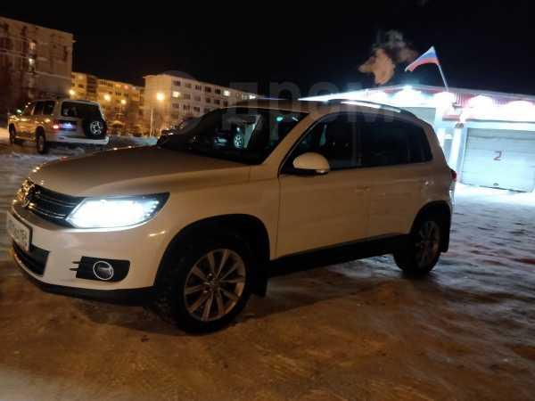 Volkswagen Tiguan, 2011 год, 1 040 000 руб.