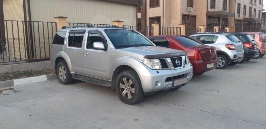 Nissan Pathfinder, 2005 год, 640 000 руб.