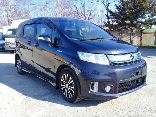 Honda Freed Spike, 2015 год, 879 000 руб.