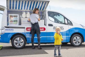 Nissan построил на базе своего электромобиля фургон мороженщика