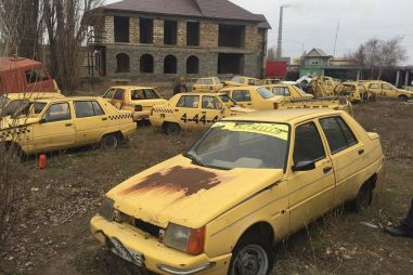 На Украине нашли кладбище старых ЗАЗов (ФОТО)
