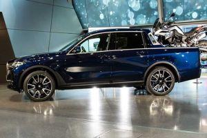 «Живой» образец пикапа BMW X7 представили в Мюнхене