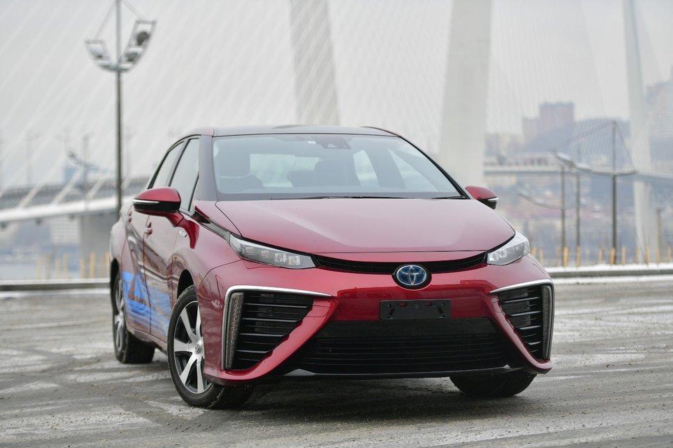 Автономный режим: на водородной Toyota Mirai по Владивостоку
