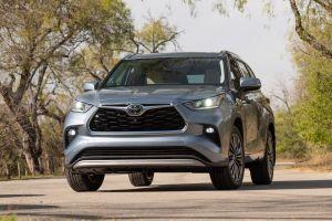 Первый тест нового Toyota Highlander. Теперь он восьмиместный