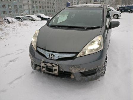 Honda Fit Shuttle 2011 - отзыв владельца