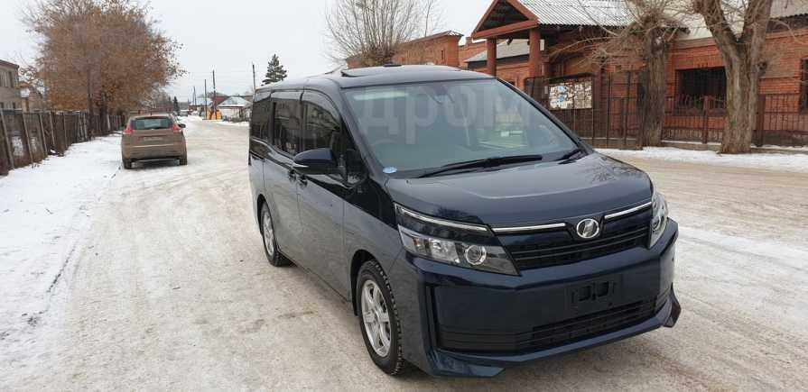 Toyota Voxy, 2017 год, 1 380 000 руб.