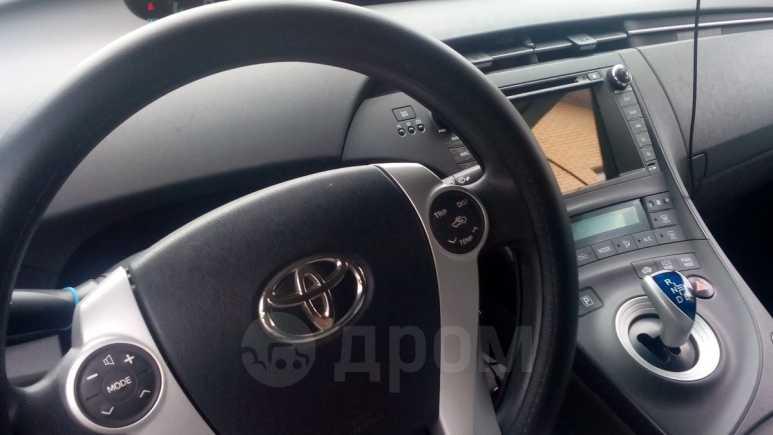 Toyota Prius, 2011 год, 1 100 000 руб.