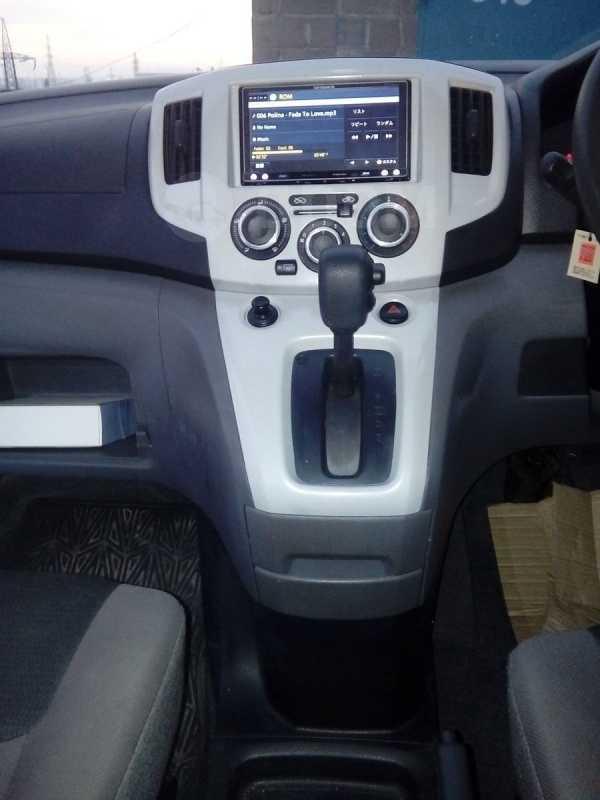 Nissan NV200, 2011 год, 640 000 руб.