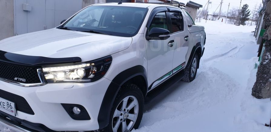 Toyota Hilux Pick Up, 2016 год, 2 399 000 руб.