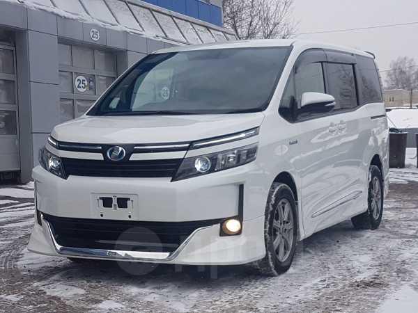 Toyota Voxy, 2014 год, 1 385 000 руб.