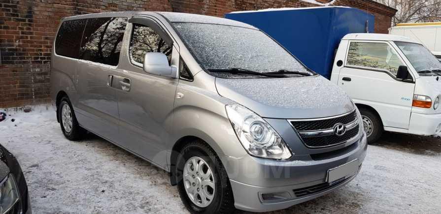 Hyundai Grand Starex, 2011 год, 989 000 руб.