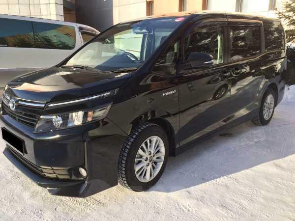 Toyota Voxy, 2015 год, 1 260 000 руб.